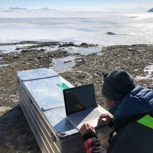 Alubox.com from expedition to Svalbard, office on the ice