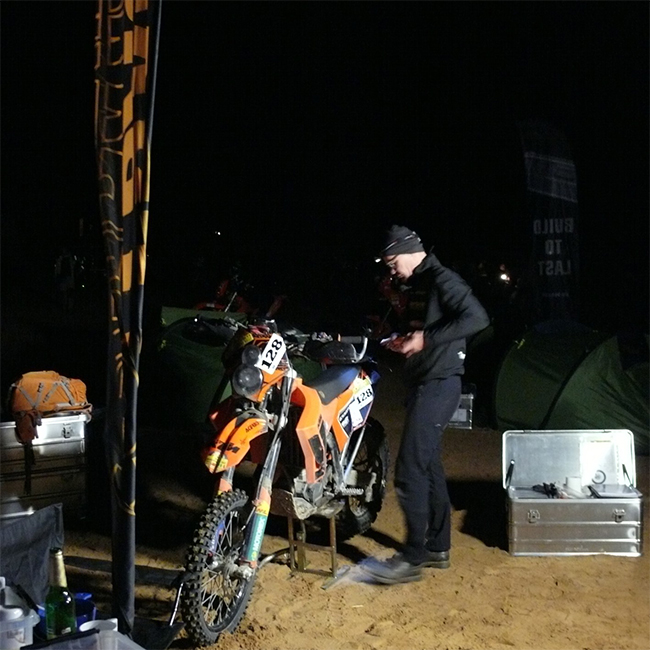 Alubox.com A081 Expedition in the Intercontinental Rally - the real way to Sahara, working in to the night