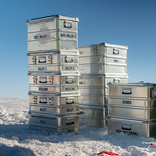 Alubox.com Expeditions 7 to Greenland, ekspeditions kasser_boxes in snow